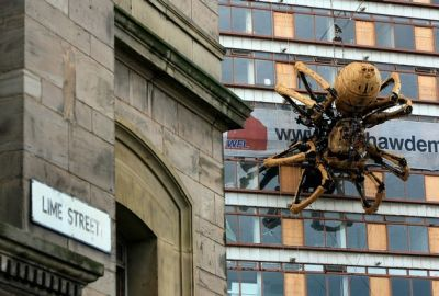 Giant Mechanical Spider Appears In Liverpool